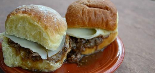 Slow Cooker Roast Beef Sandwiches