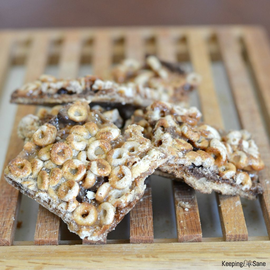 Easy and yummy cheerio cereal bars keeping life sane delicious and easy cereal bars ccuart Images