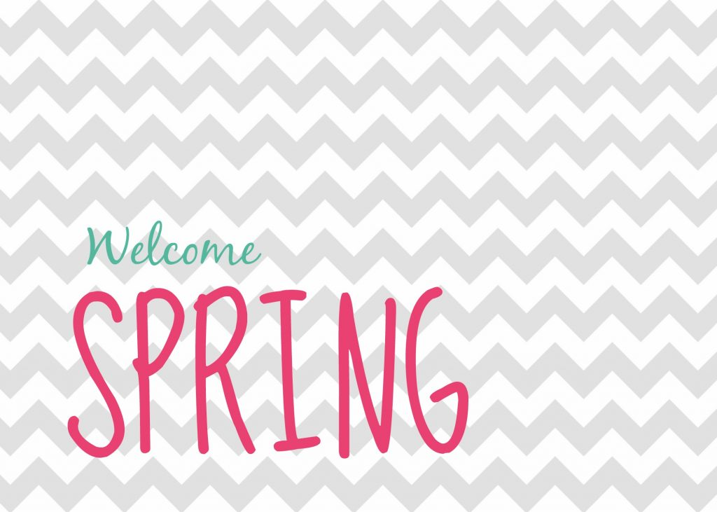 Spring is right around the corner. Here's a great FREE spring printable that you can print at home to decorate your mantel or coffee table.
