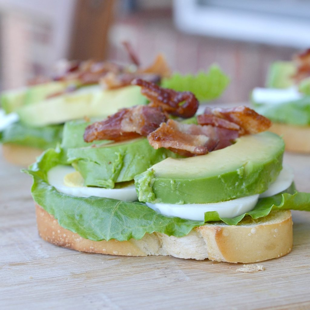 Are you looking for a great tasting meal? Try this BLT Avocado Toast for breakfast, lunch or dinner. It's healthy and easy to make.