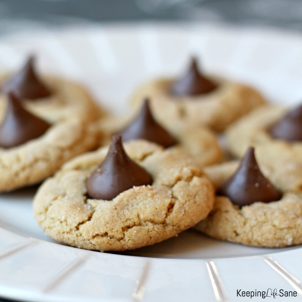 Who doesn't love peanut butter and chocolate? These eggless peanut butter kiss cookies have both and you are sure to love it. YUM!
