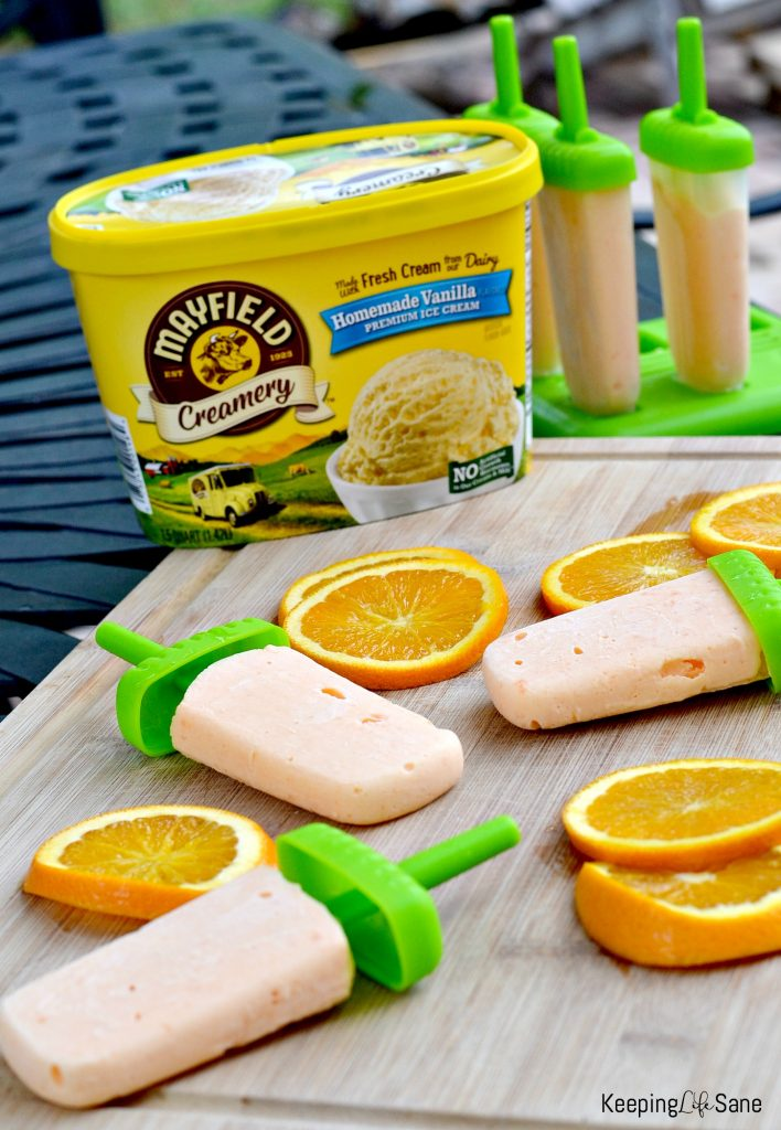 Your kids are going to love these orange ice cream bars. This summer recipe is super easy to make with only 2 ingredients.