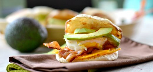 This is such an easy morning breakfast sandwich that your whole family will love. It's great to have a filling breakfast to get you through your day.