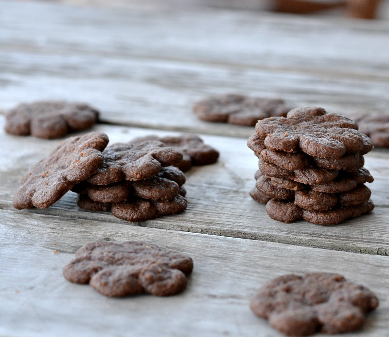 My kids love anything that's mini and these eggless Mini Chocolate Cookie Bites are so delicious. With only five ingredients, they are quick and easy.