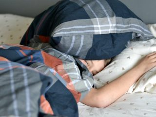 Getting a good nights sleep can be hard for anyone, but kids may not realize things they do can affect sleep. Click over and grab these sleeping tips for tweens.