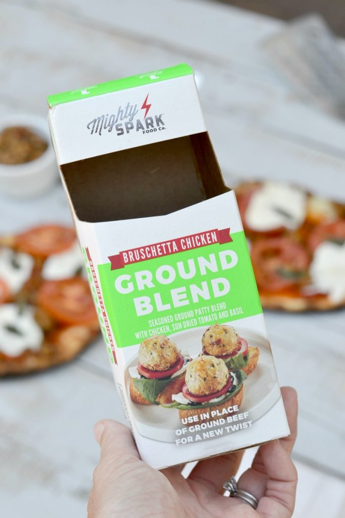 Grab this recipe for grilled bruschetta flatbread pizza for a quick and convenient weeknight meal. Your kids are gonna love this!