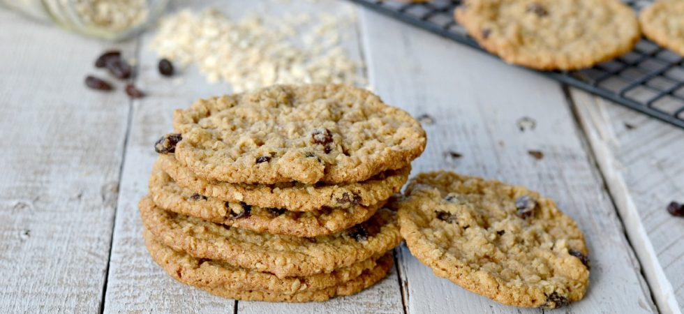 These are best EGGLESS oatmeal cookies EVER! Perfect for lunch boxes, snacks, and desserts. They won't last long so make sure to make a double batch.