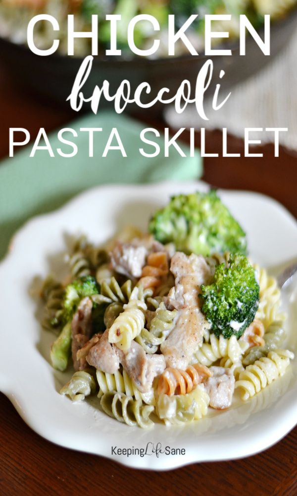This chicken, broccoli and pasta skillet is the perfect weeknight meal that your kids will love AND all for under $10! #Dinner #WeeknightDinner #kidapproved #KidapprovedDinner #Under$10 #chicken #pasta #Broccoli #Quickdinner #skilletmeal #Skilletdinner #Recipe #DinnerRecipe