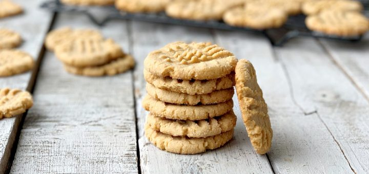 Who's craving peanut butter? These eggless peanut butter cookies are so easy and delicous. Make sure to bookmark it so you can make them again and again.