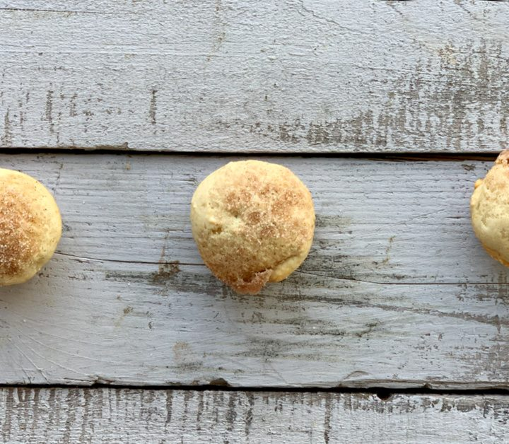 Mini muffins are always a hit and these were gone within 10 minutes! These mini applesauce muffins are so light and fluffy with a little sugar and cinnamon on top! YUM!